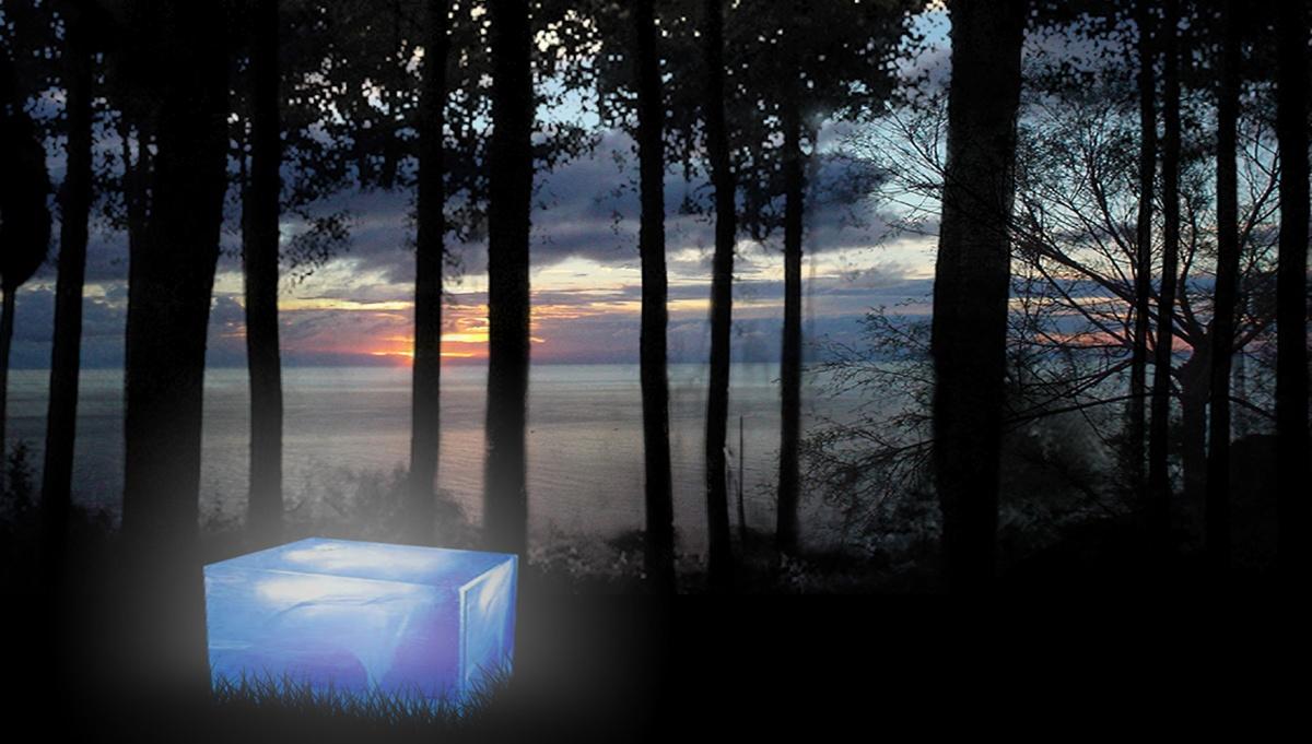 Lanterna luminosa nel paesaggio