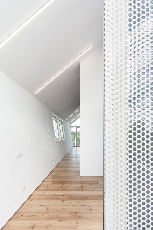 vista interna legno e microforata bianca