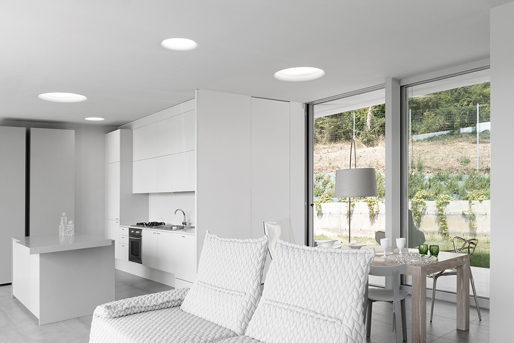 vista interna della cucina e soggiorno
