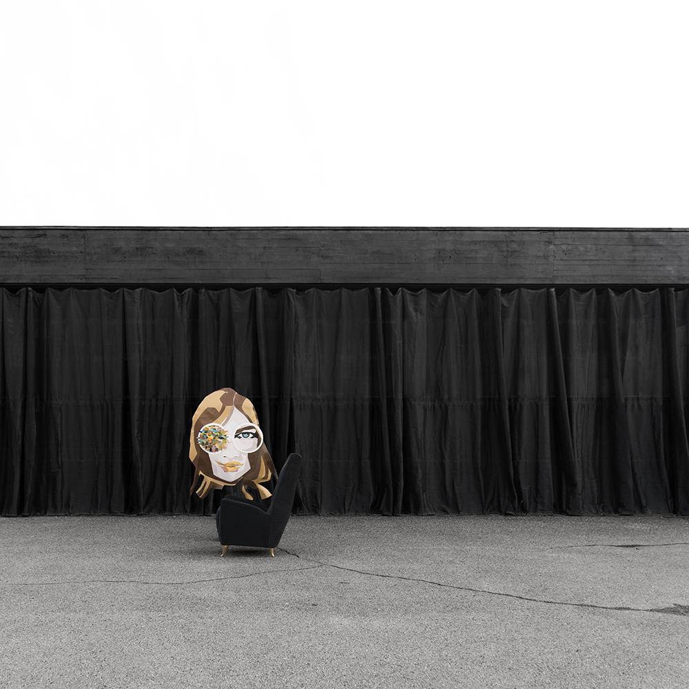 artwood showroom architettura contemporanea fragile riuso toscana firenze con poltrona vintage gio ponti e opera pittura su pelle pop amuleto di stefania catastini mercurio s17s71