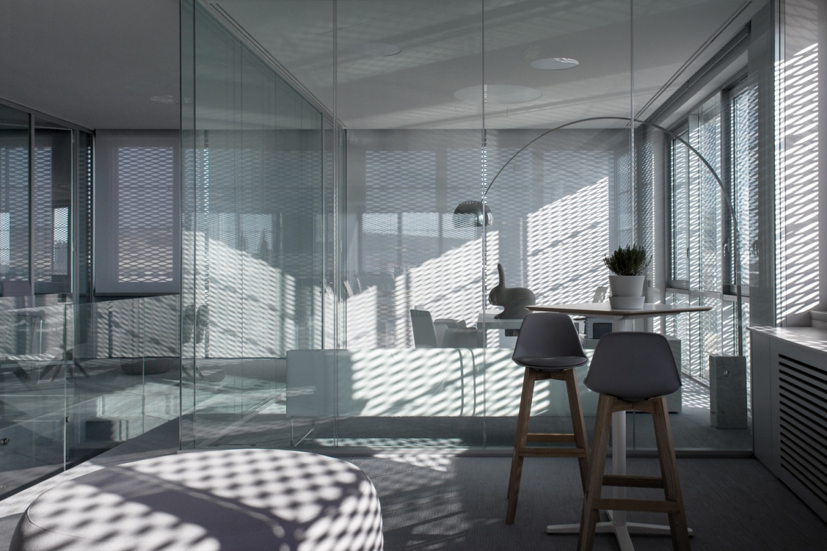 interno uffici luci e ombre