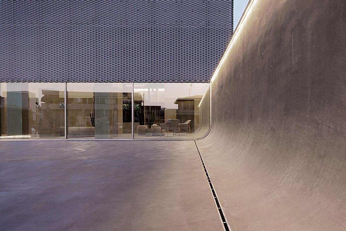voipvoice headquarters progetto di uffici contemporanei muro stondato e vista sull'interno